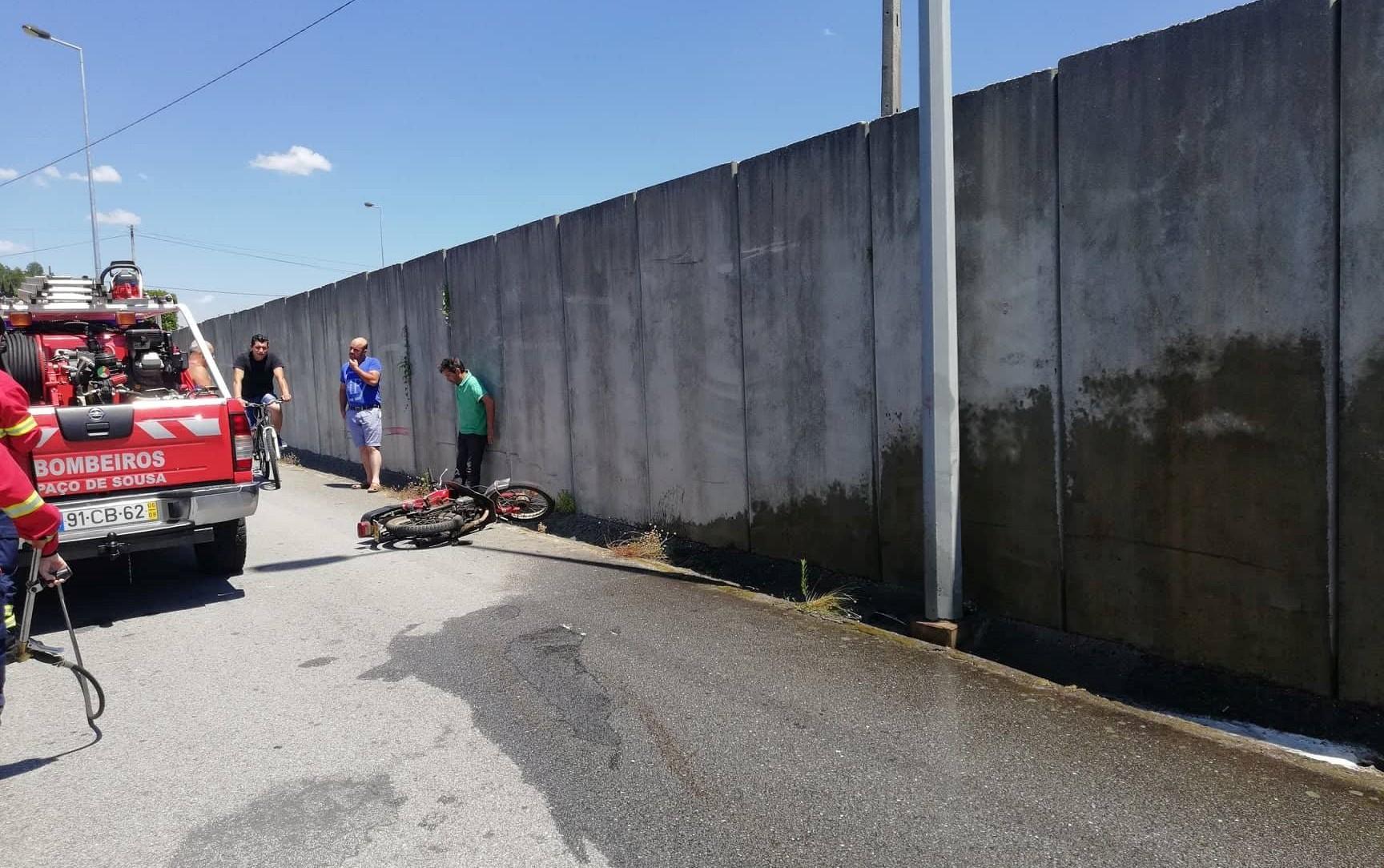 Homem ferido em despiste de mota em Irivo1 1