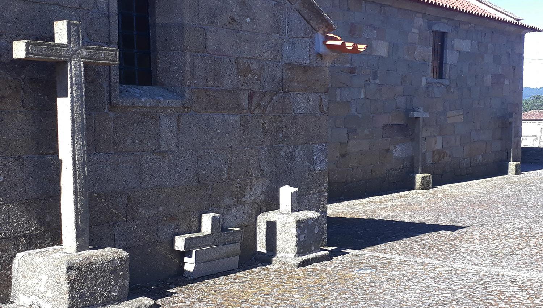 cruz destruida