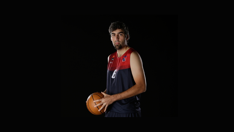 Atleta morre depois de cair inanimado durante jogo de basquetebol