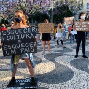Manifestação pela cultura