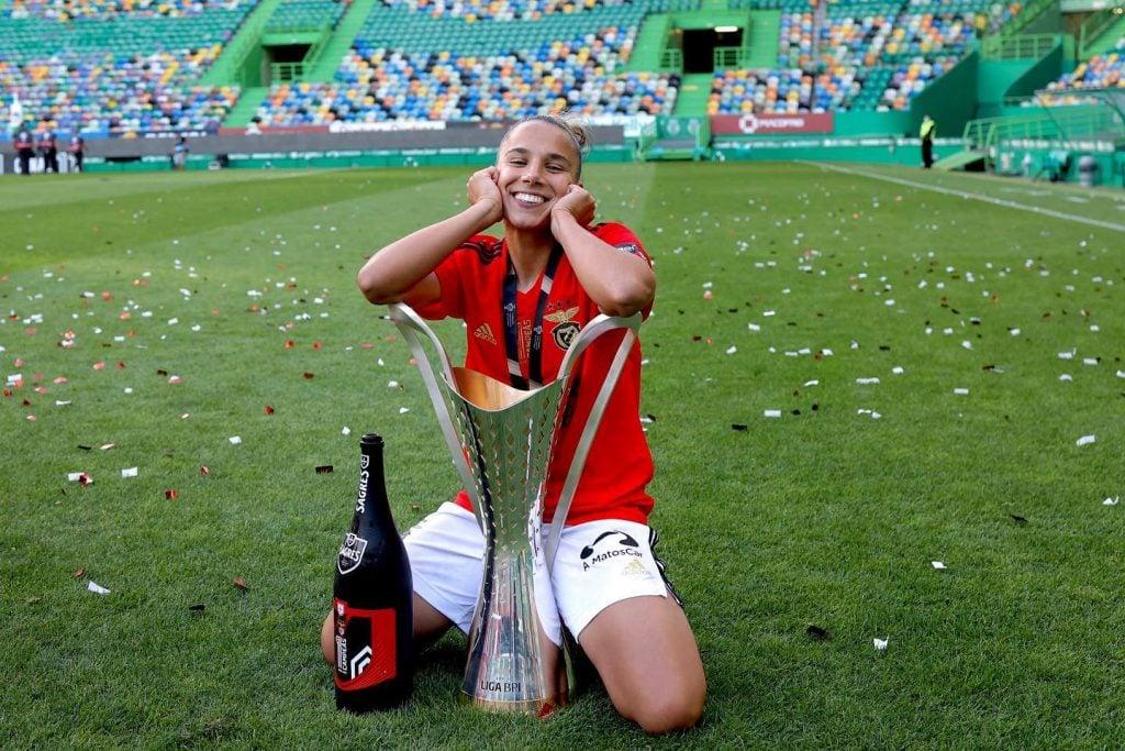Lúcia Alves